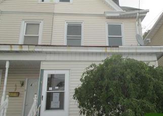 Casa en ejecución hipotecaria in Hazleton, PA, 18201,  N LOCUST ST ID: F4010480