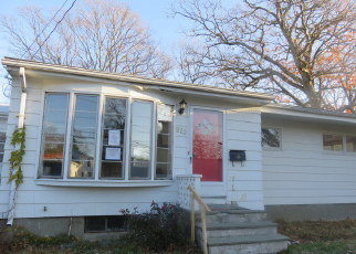 Casa en ejecución hipotecaria in Warwick, RI, 02889,  W SHORE RD ID: F4012253