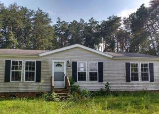 Casa en ejecución hipotecaria in Mount Airy, NC, 27030,  OAK CIR ID: F4012733
