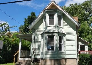 Casa en ejecución hipotecaria in Meriden, CT, 06451,  MERIDIAN ST ID: F4022052