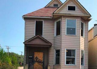 Casa en ejecución hipotecaria in Chicago, IL, 60617,  S AVENUE L ID: F4023301