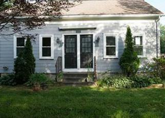 Casa en ejecución hipotecaria in Chepachet, RI, 02814,  VICTORY HWY ID: F4027168