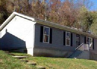 Casa en ejecución hipotecaria in Coatesville, PA, 19320,  BRICK ROW ID: F4030535