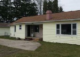 Casa en ejecución hipotecaria in Mount Pleasant, MI, 48858,  E REMUS RD ID: F4031886
