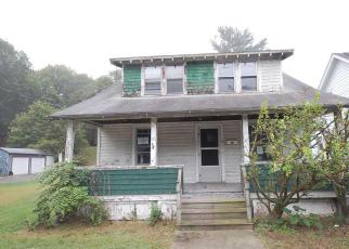 Casa en ejecución hipotecaria in Poughkeepsie, NY, 12601,  FITCHETT ST ID: F4032996
