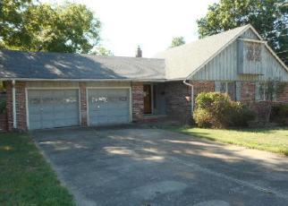 Casa en ejecución hipotecaria in Tahlequah, OK, 74464,  N OKLAHOMA AVE ID: F4034078