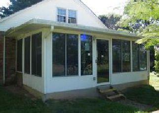 Casa en ejecución hipotecaria in Frankfort, KY, 40601,  PEAKS MILL RD ID: F4034423