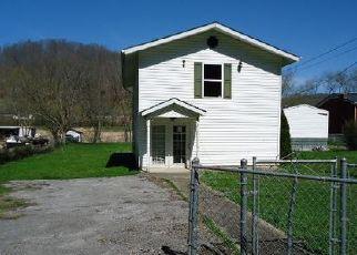 Casa en ejecución hipotecaria in Floyd Condado, KY ID: F4037450