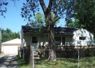 Casa en ejecución hipotecaria in Waukegan, IL, 60087,  RICE ST ID: F4039343