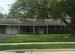 Casa en ejecución hipotecaria in Country Club Hills, IL, 60478,  183RD ST ID: F4039376