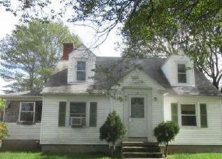 Casa en ejecución hipotecaria in Chepachet, RI, 02814,  CHESTNUT HILL RD ID: F4042804
