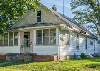 Casa en ejecución hipotecaria in Newton, IA, 50208,  E 4TH ST S ID: F4046356