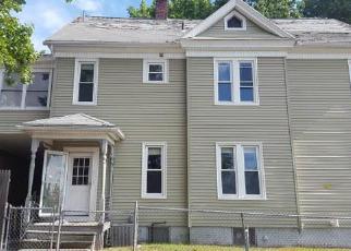 Casa en ejecución hipotecaria in Holyoke, MA, 01040,  ELM ST ID: F4049932