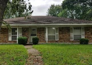 Casa en ejecución hipotecaria in Houston, TX, 77088,  DEEP FOREST DR ID: F4051915