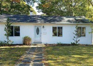 Casa en ejecución hipotecaria in Bay Shore, NY, 11706,  NAMDAC AVE ID: F4060001