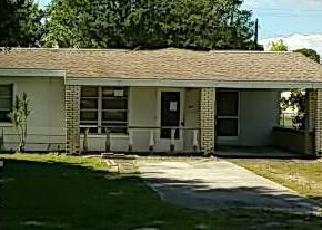 Casa en ejecución hipotecaria in North Fort Myers, FL, 33917,  CRESCENT LAKE DR ID: F4062376