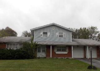 Casa en ejecución hipotecaria in Country Club Hills, IL, 60478,  MAPLE AVE ID: F4063842