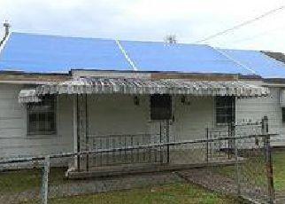 Casa en ejecución hipotecaria in Ashland, KY, 41102,  BOYD ST ID: F4069733