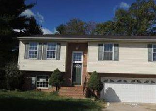 Casa en ejecución hipotecaria in Martinsburg, WV, 25405,  HEDRICK AVE ID: F4069735