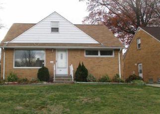 Casa en ejecución hipotecaria in Euclid, OH, 44132,  PARKLANE DR ID: F4074720