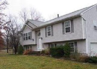 Casa en ejecución hipotecaria in New Windsor, NY, 12553,  LAKE RD ID: F4075101