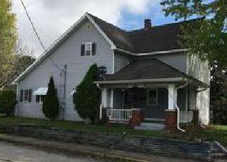 Casa en ejecución hipotecaria in Henry Condado, IN ID: F4076352