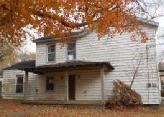 Casa en ejecución hipotecaria in Gibson Condado, IN ID: F4076360