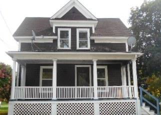 Casa en ejecución hipotecaria in Lewiston, ME, 04240,  SYLVAN AVE ID: F4080384
