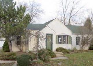 Casa en ejecución hipotecaria in Clinton Township, MI, 48035,  LAKEWOOD ST ID: F4080387