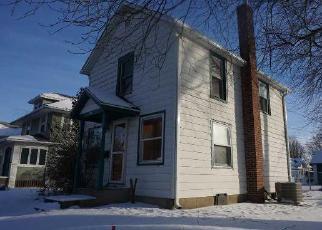 Casa en ejecución hipotecaria in Whiteside Condado, IL ID: F4086620