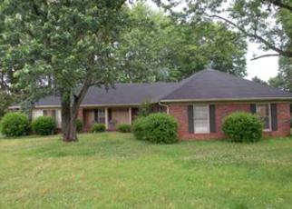 Casa en ejecución hipotecaria in Jackson, TN, 38305,  VILLAGEWOOD DR ID: F4086860