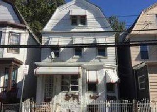 Casa en ejecución hipotecaria in Newark, NJ, 07108,  S 15TH ST ID: F4087358