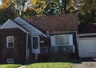 Casa en ejecución hipotecaria in Paterson, NJ, 07522,  CARRELTON DR ID: F4087366