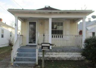 Casa en ejecución hipotecaria in Louisville, KY, 40215,  WOODY AVE ID: F4089409
