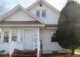 Casa en ejecución hipotecaria in Freeport, NY, 11520,  WASHBURN AVE ID: F4093039