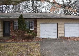 Casa en ejecución hipotecaria in Central Islip, NY, 11722,  ORANGE ST ID: F4093079
