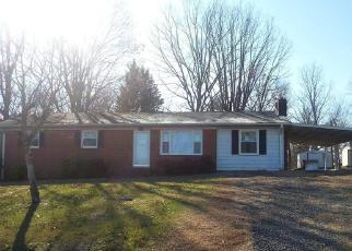 Casa en ejecución hipotecaria in Mount Airy, NC, 27030,  WESTERN CAROLINA DR ID: F4093801