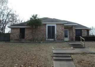 Casa en ejecución hipotecaria in Duncanville, TX, 75137,  WHISPERING HILLS DR ID: F4094929