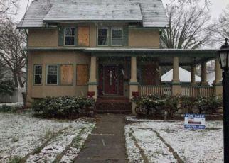 Casa en ejecución hipotecaria in Woodbury, NJ, 08096,  DELAWARE ST ID: F4095698