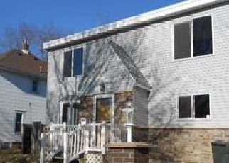 Casa en ejecución hipotecaria in Waterloo, IA, 50703,  RIEHL ST ID: F4096359
