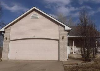 Casa en ejecución hipotecaria in Derby, KS, 67037,  W TALL TREE RD ID: F4097411