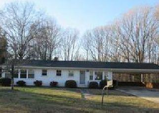 Casa en ejecución hipotecaria in Winston Salem, NC, 27107,  REID RD ID: F4101681