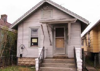Casa en ejecución hipotecaria in Covington, KY, 41016,  OAK ST ID: F4102204