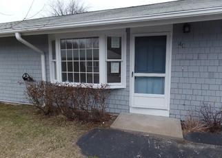 Casa en ejecución hipotecaria in Charlestown, RI, 02813, C N CASTLE WAY ID: F4109518