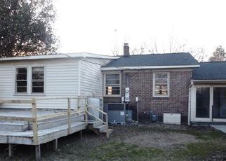 Foreclosure Home in Columbia, SC, 29205,  DAHLIA RD ID: F4109934