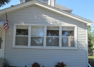 Casa en ejecución hipotecaria in River Rouge, MI, 48218,  E HENRY ST ID: F4110364