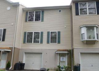 Casa en ejecución hipotecaria in Orange, NJ, 07050,  SEVEN OAKS WAY ID: F4110797