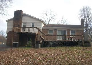 Casa en ejecución hipotecaria in Mount Airy, NC, 27030,  GWYNWOOD DR ID: F4112004
