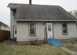 Casa en ejecución hipotecaria in New Castle, IN, 47362,  B AVE ID: F4113173