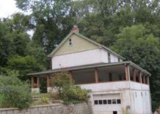 Casa en ejecución hipotecaria in Coatesville, PA, 19320,  MANOR RD ID: F4113419